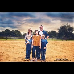 There maybe storms rolling in but this family is ready to handle what ever comes their way.  Enjoyed meeting the Paxton family and capturing their Holiday images.  #holiday #christmas #family #stormy #storm #ruggedcrossyouthranch #lithia #florida #lakelan