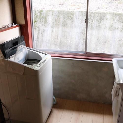 洗濯機もあるよ。一軒家だからね。 #なんと #南砺 #富山県