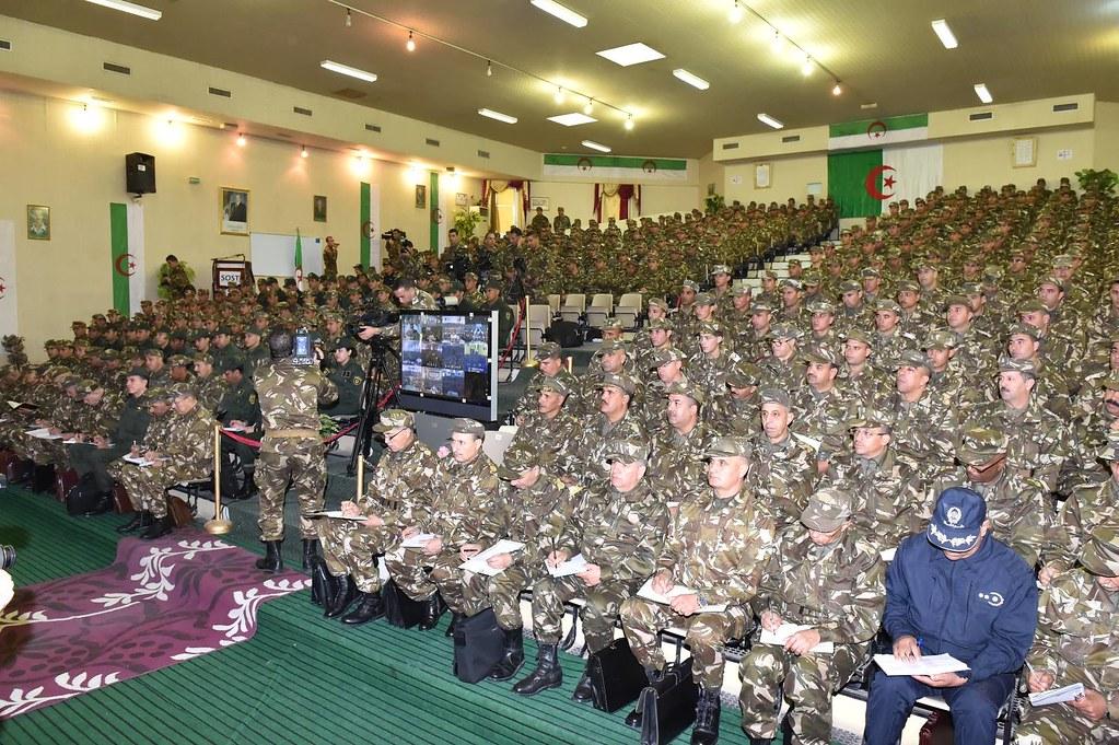 الجزائر : صلاحيات نائب وزير الدفاع الوطني - صفحة 6 30827791241_51e0a15e8f_b