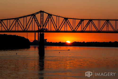 bridge usa water sunrise river boat downtown waterfront kentucky ky riverfront ohioriver owensboro bluebridge smotherspark glovercary