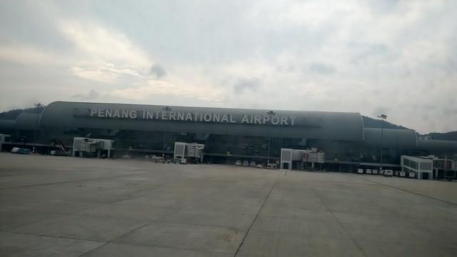 四個半小時後,抵達檳城國際機場