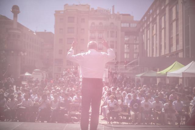 19 Sept. Lleida, Lluís Rabell con Iñigo Errejón.