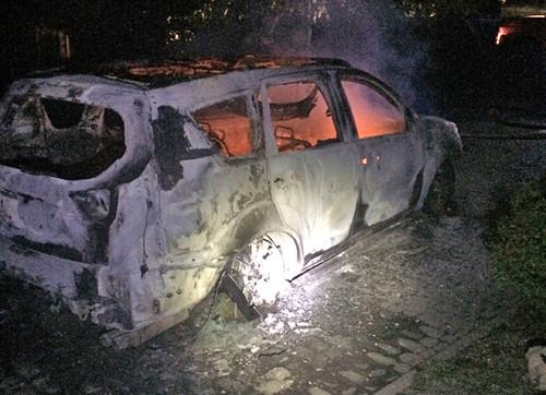 Кандидату спалили авто