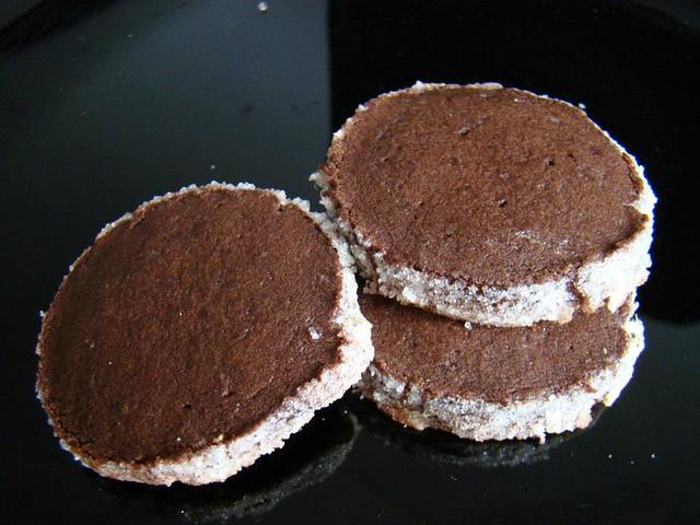 Biscoitos de Chocolate com Crosta de Açúcar