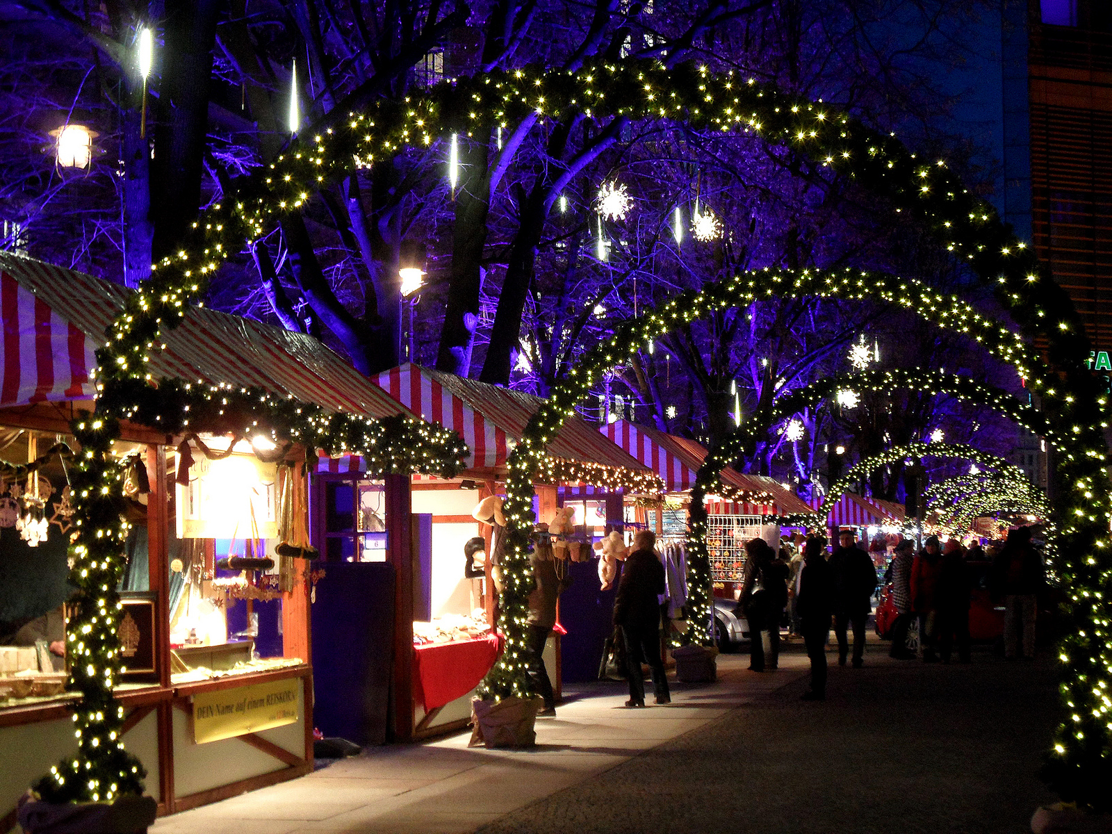 Christmas market in Berlin, Germany. Credit onnola