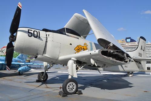 Douglas XAD-1 Skyraider '09102 / AJ-501'