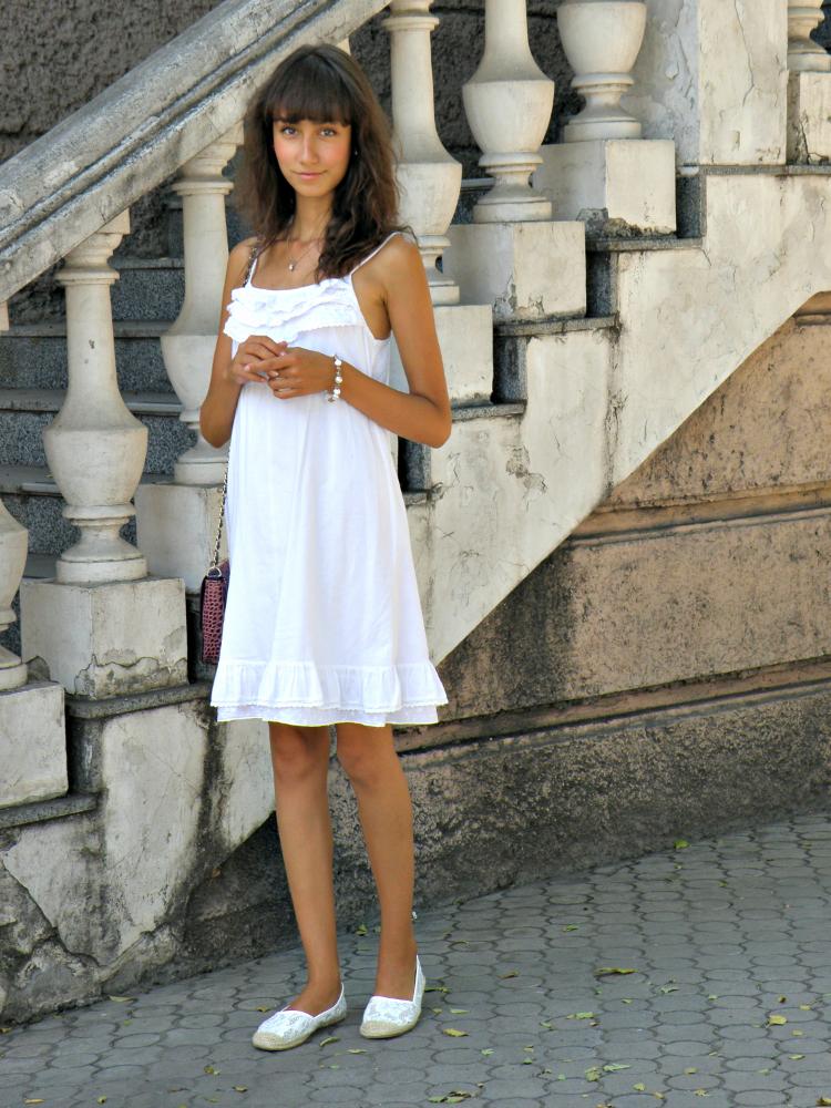 Lace_Dress_3