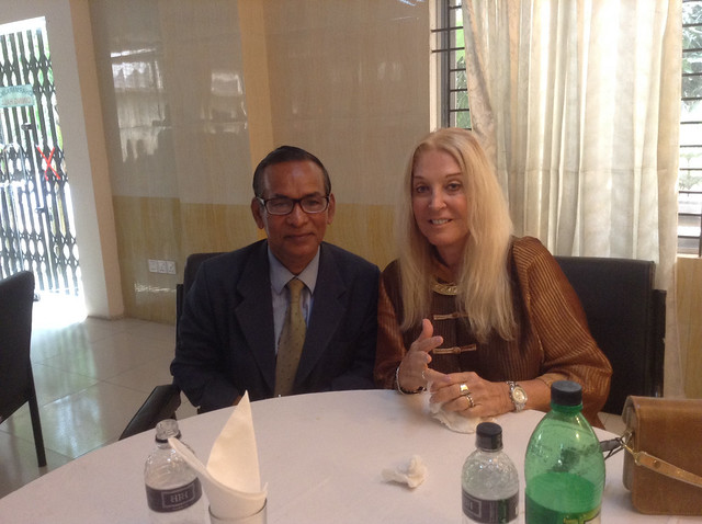 Μπαγκλαντές dating Ντάκα κολέγιο πρωτοετής dating