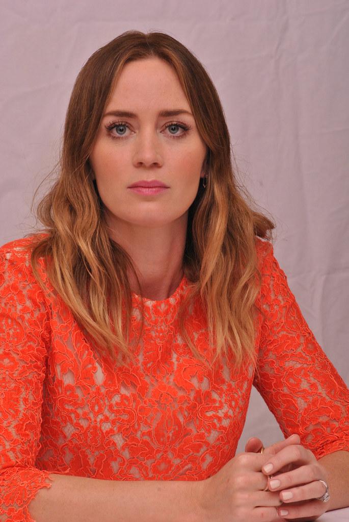 Эмили Блант — Пресс-конференция «Наёмница» на «TIFF» 2015 – 35