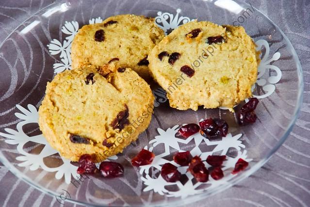 Sablés de Noël Canneberges & Pistaches / Cranberry & Pistachio Christmas Cookies