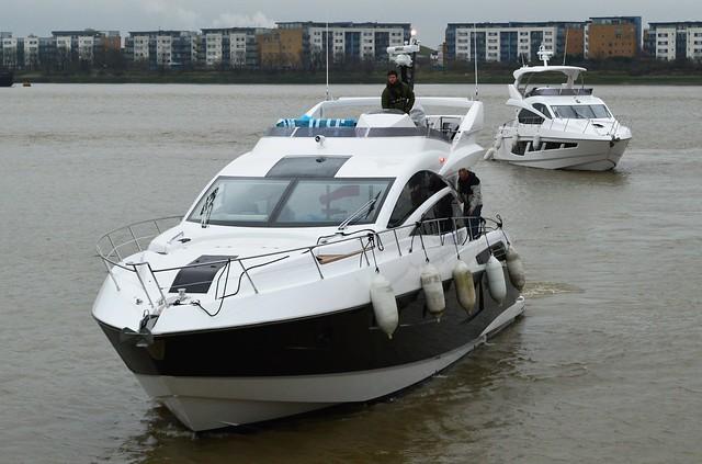 Sunseeker 68 Sport Yacht (1) @ KGV Lock 15-12-15