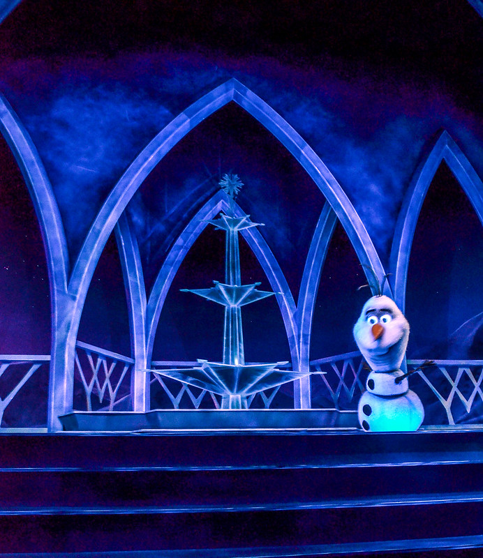 Olaf stairs Frozen Ever After
