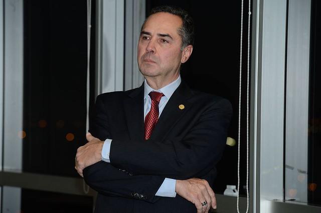 Luís Roberto Barroso (foto) negou nesta terça (22)pedido feito por parlamentares da oposiçãopara suspender a tramitação da PEC 55 - Créditos: Valter Campanato/Agência Brasil