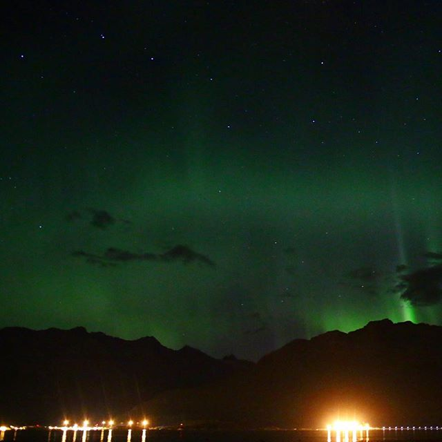 Another one from last night. It's suppose to be even better tonight. We'll see about that. #auroraborealis #northernlights #bigdipper by malimish_dan