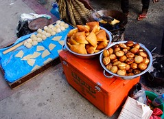 The doughnut cakes of Dar es Salaam Streets