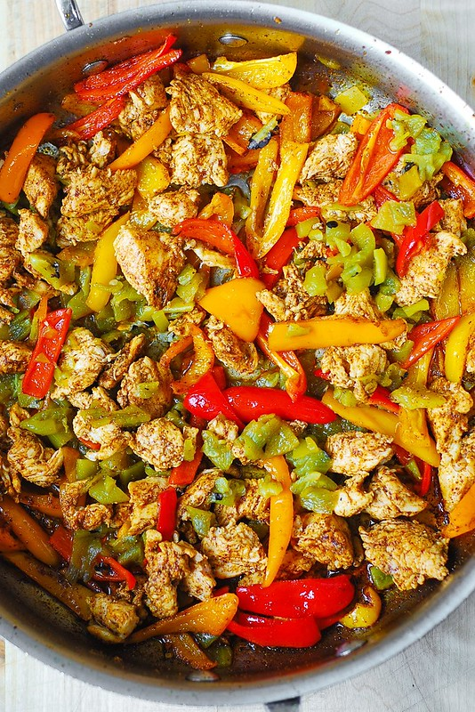 cooking chicken with bell peppers and green chiles
