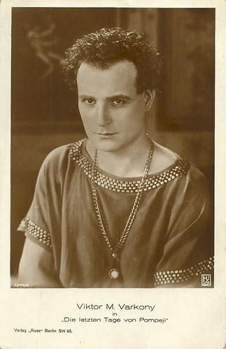 Victor Varconi as Glaucus in Gli ultimi giorni di Pompei (1926)