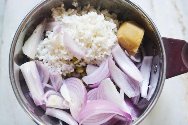 Andhra Pesarattu/ Moong Dhal Dosa Recipe - Step3