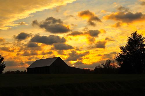 sunset sky usa clouds barn geotagged nikon unitedstates maryland 2014 harwood cmorepics cmorepicsoutlookcom instagramcomcmorelife geo:lat=3886716670 geo:lon=7662569582