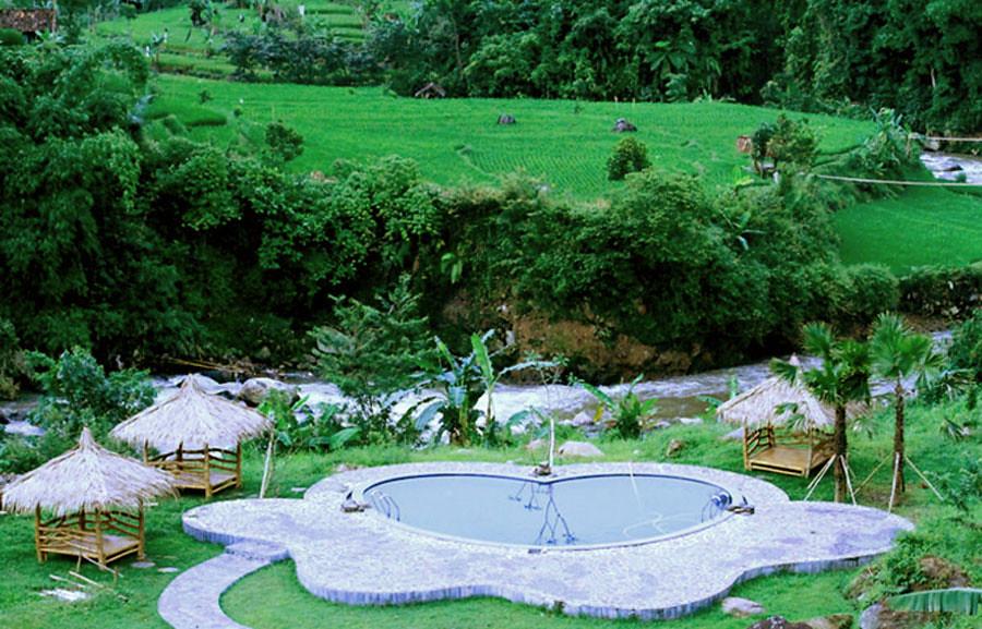 kolam-renang-swimming-pool-at-dream-hotel-driam-resort-bandung-selatan-ciwidey