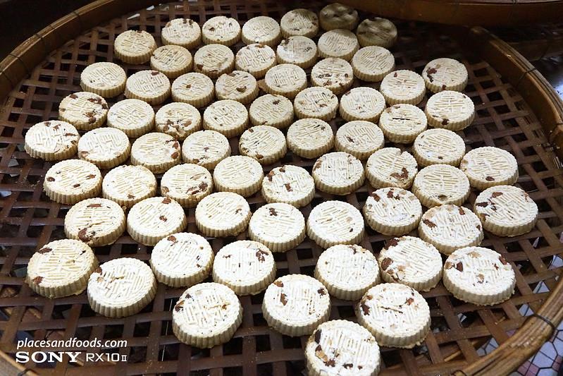 chui heong almond cookies