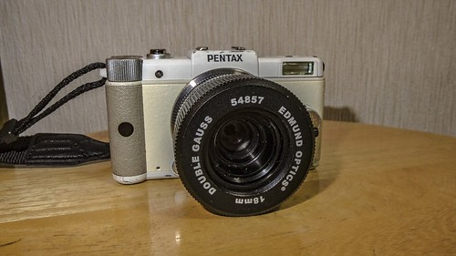 Pentax Q with DOUBLE GAUSS 18mm f4