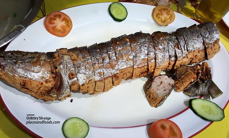 restoran makanan laut boon tat klang stuffed fish roll
