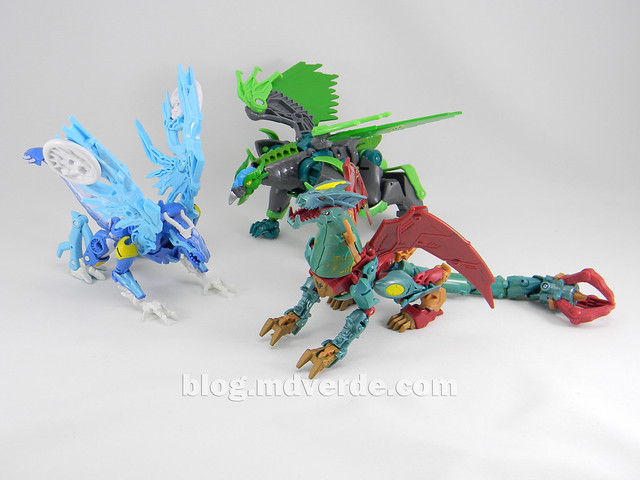 Transformers Ripclaw Deluxe - Transformers Prime Beast Hunters - modo dragon vs Skystalker vs Grimwing