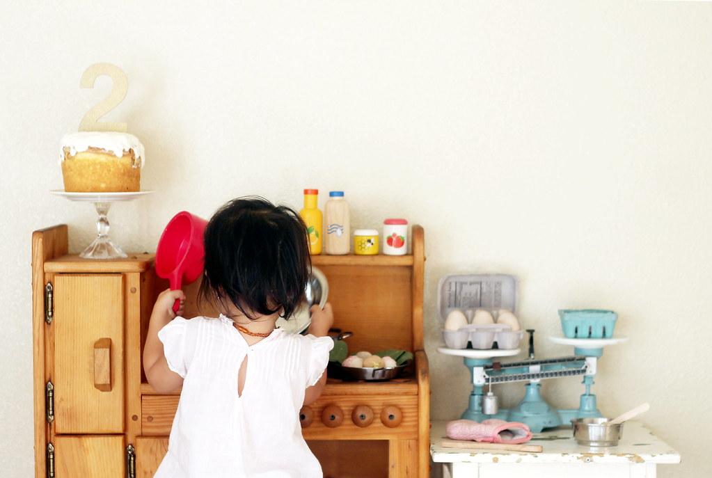 serene's play kitchen