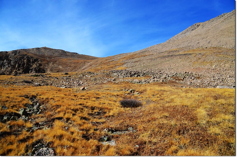 Near 12,500', With the summit up to right, continue west on grassyrocky terrain