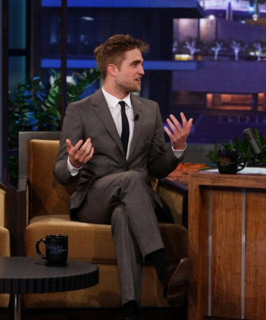 Robert Pattinson crossed legs