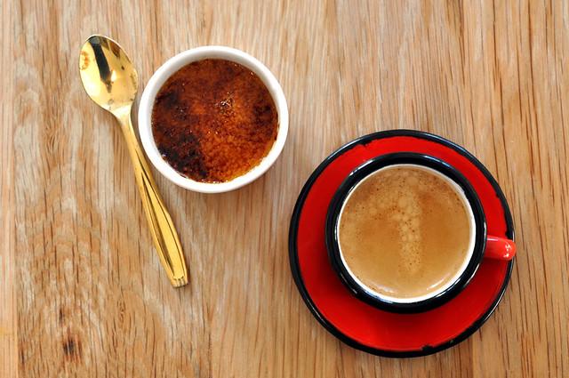 Crème brûlée og espresso