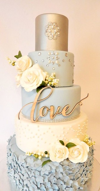 Metallic Wedding Cake by Elegant Wedding Invites