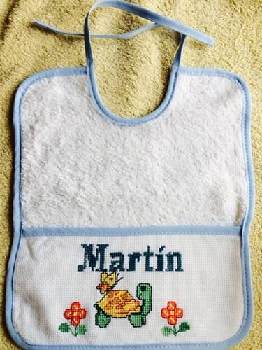 Otro babero con nombre de Martín