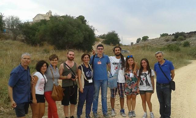 Un gruppo in Rutigliano- Ecoraconti e tour sensoriali-visita all'Annunziata