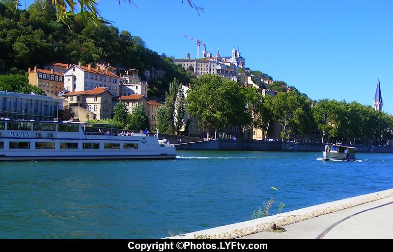 Rives de Saône Lyon bateaux Hermes et Navette  Confluences