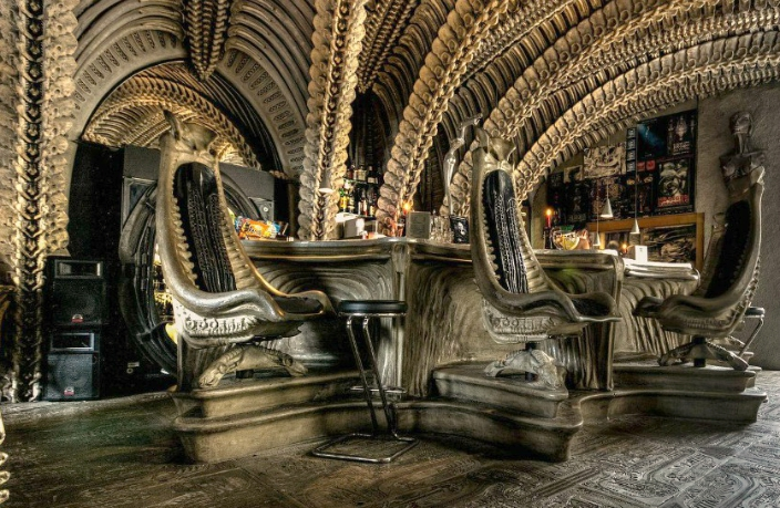 HR Giger Bar (13)