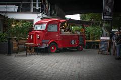 truck(0.0), antique car(0.0), automobile(1.0), vehicle(1.0), transport(1.0), citroã«n h van(1.0), land vehicle(1.0),