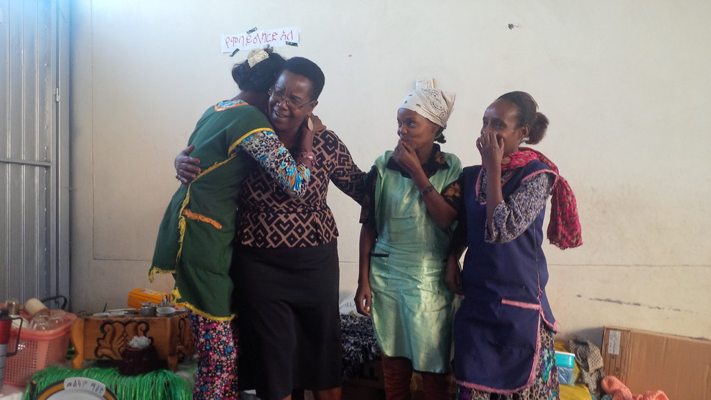 2015-10-7 Ethiopia: Meeting with former migrant domestic workers