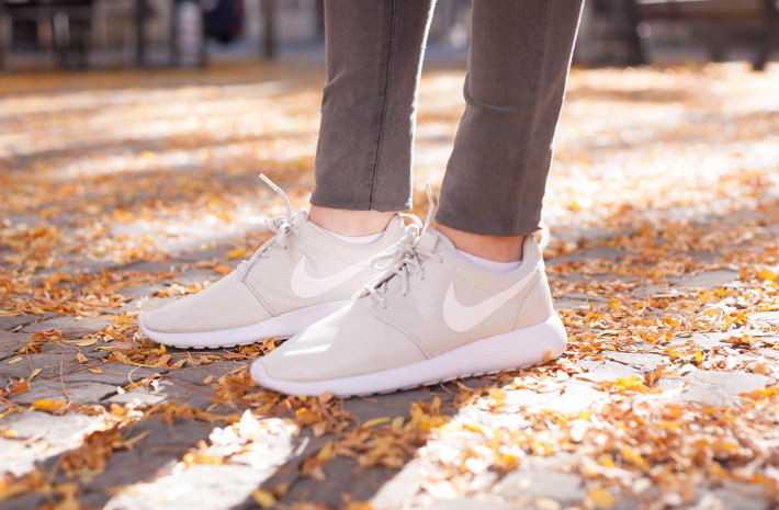 white Nike Roshe Runs