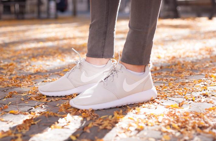 white Nike Roshe Runs