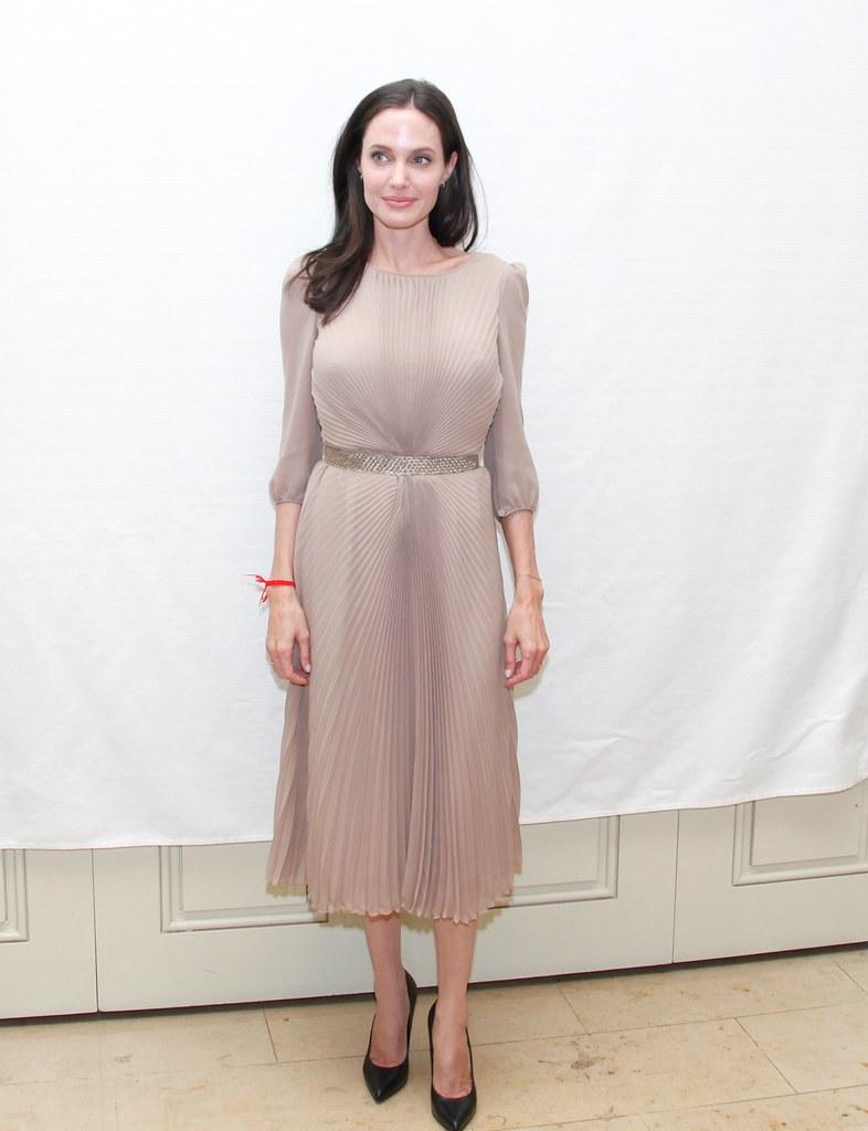 Анджелина Джоли — Пресс-конференция «Лазурный берег» 2015 – 36