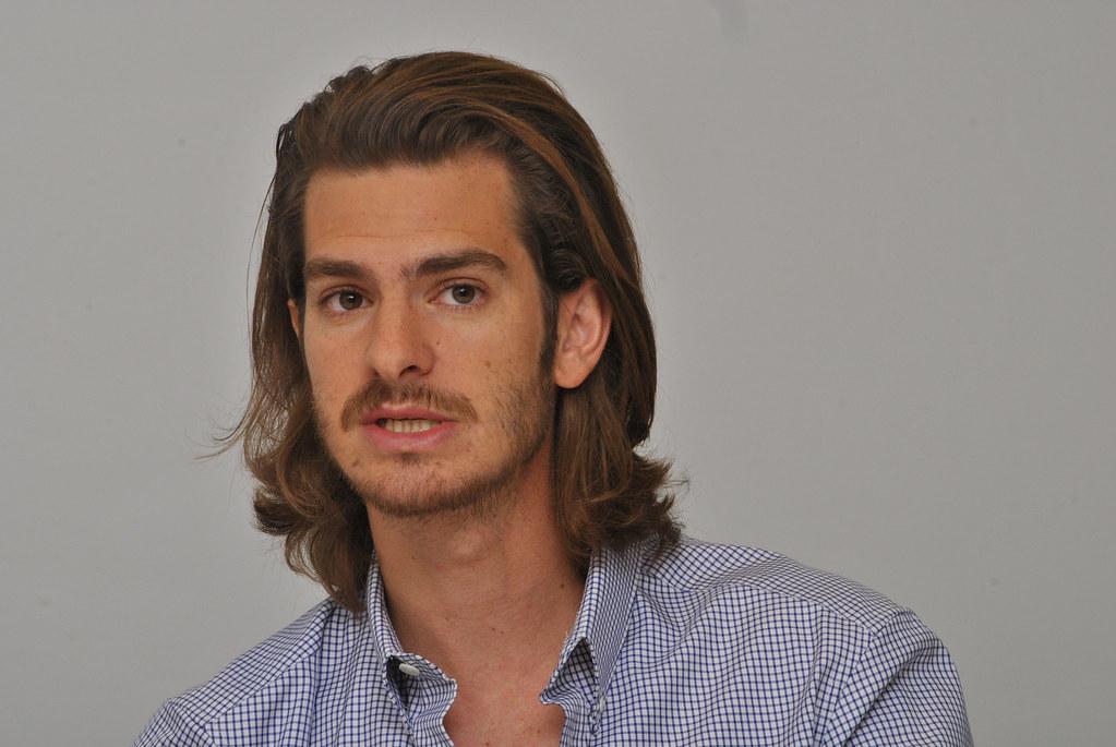 Эндрю Гарфилд — Пресс-конференция «99 домов» 2015 – 31
