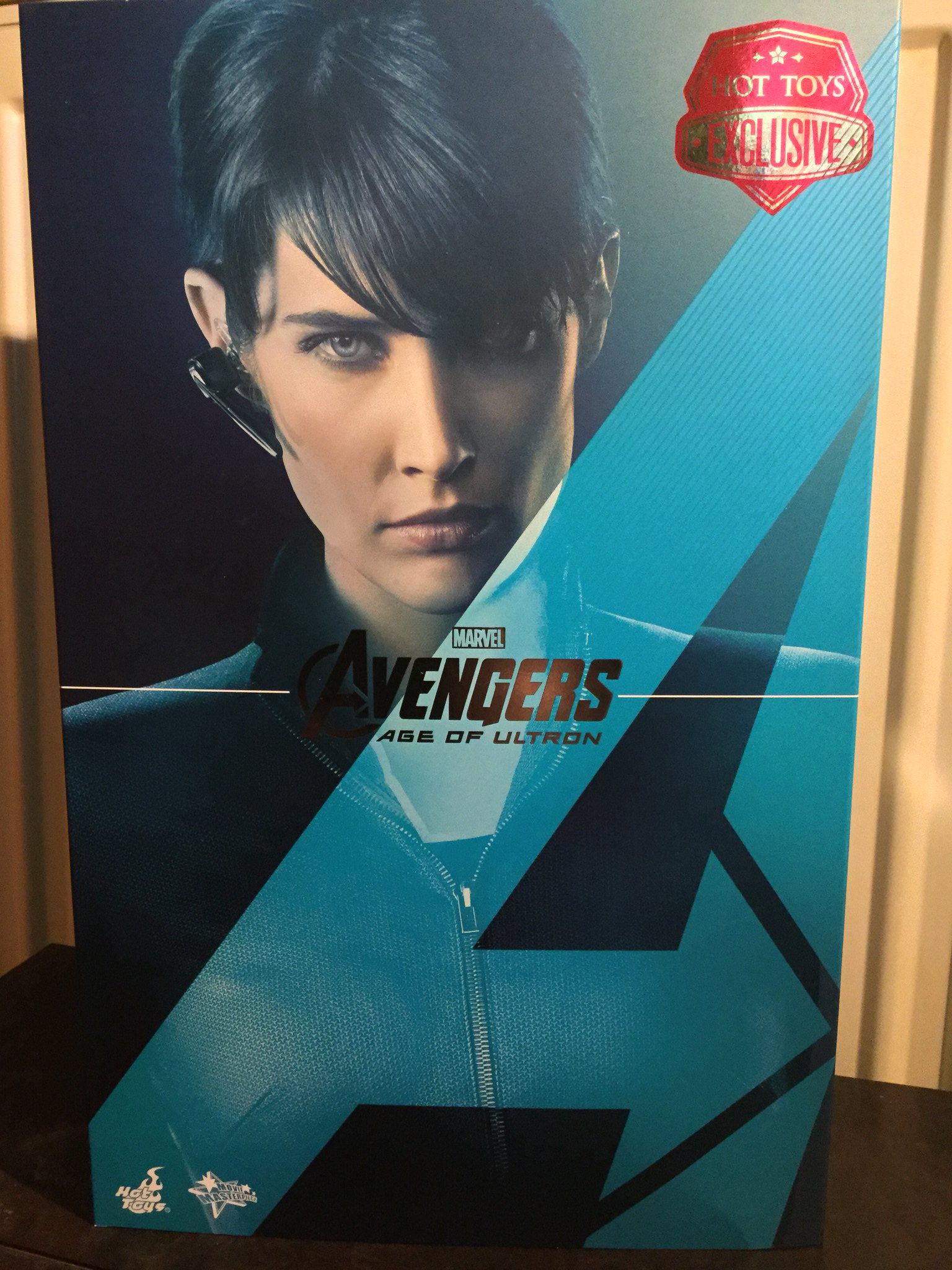 [REVIEW] MMS 305 - Avengers Age of Ultron : Maria Hill (Hot Toys - 2015 Toy Fair Exclusive) 22727443016_096189af76_k