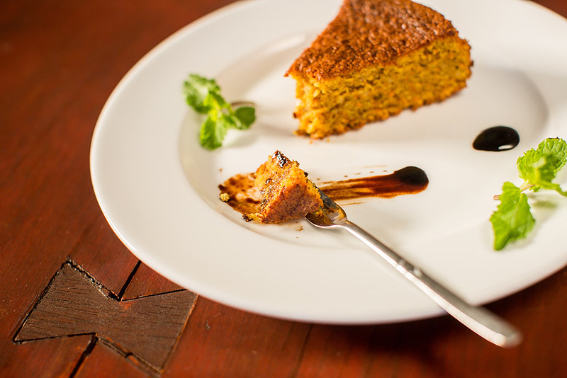 Carrot and almond cake with coffee