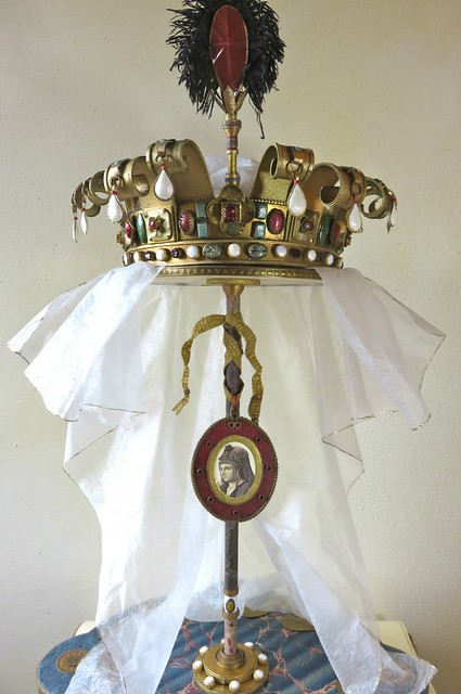 Paper Sculpture Crown 2