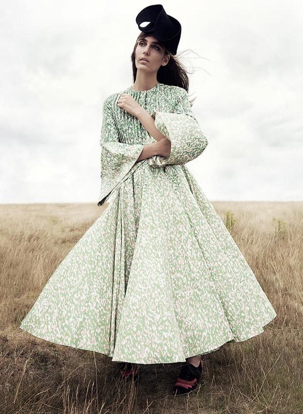 Zuzanna-Bijoch-Bazaar-UK-Regan-Cameron-06-620x847