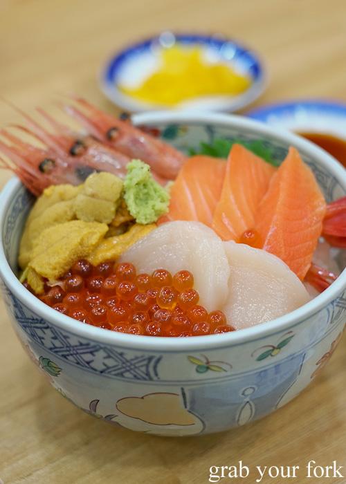 Kaisendon sashimi set from Asaichi Shokudo Makoto Yasube at Hakodate Morning Market, Hokkaido