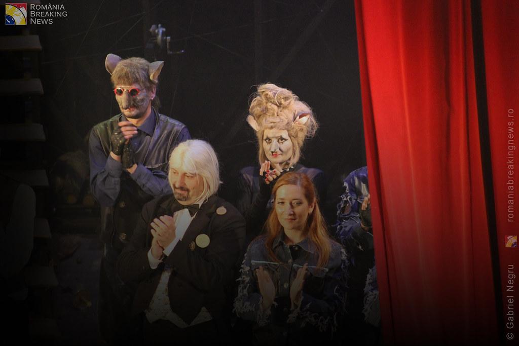 Tetrul_Nottara_si-a_ridicat_oficial_cortina_Trupa_Teatrului_Ginta_Latina_din_Chosinau (33)