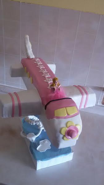 Airplane Cake by Linda Louka